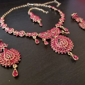 Jewelry - Red & Gold Indian Necklace Set